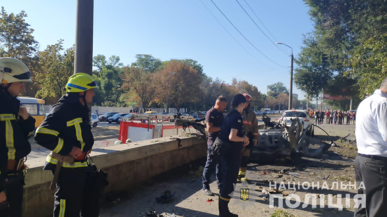 Вибух автівки у Дніпрі могла спричинити саморобна бомба