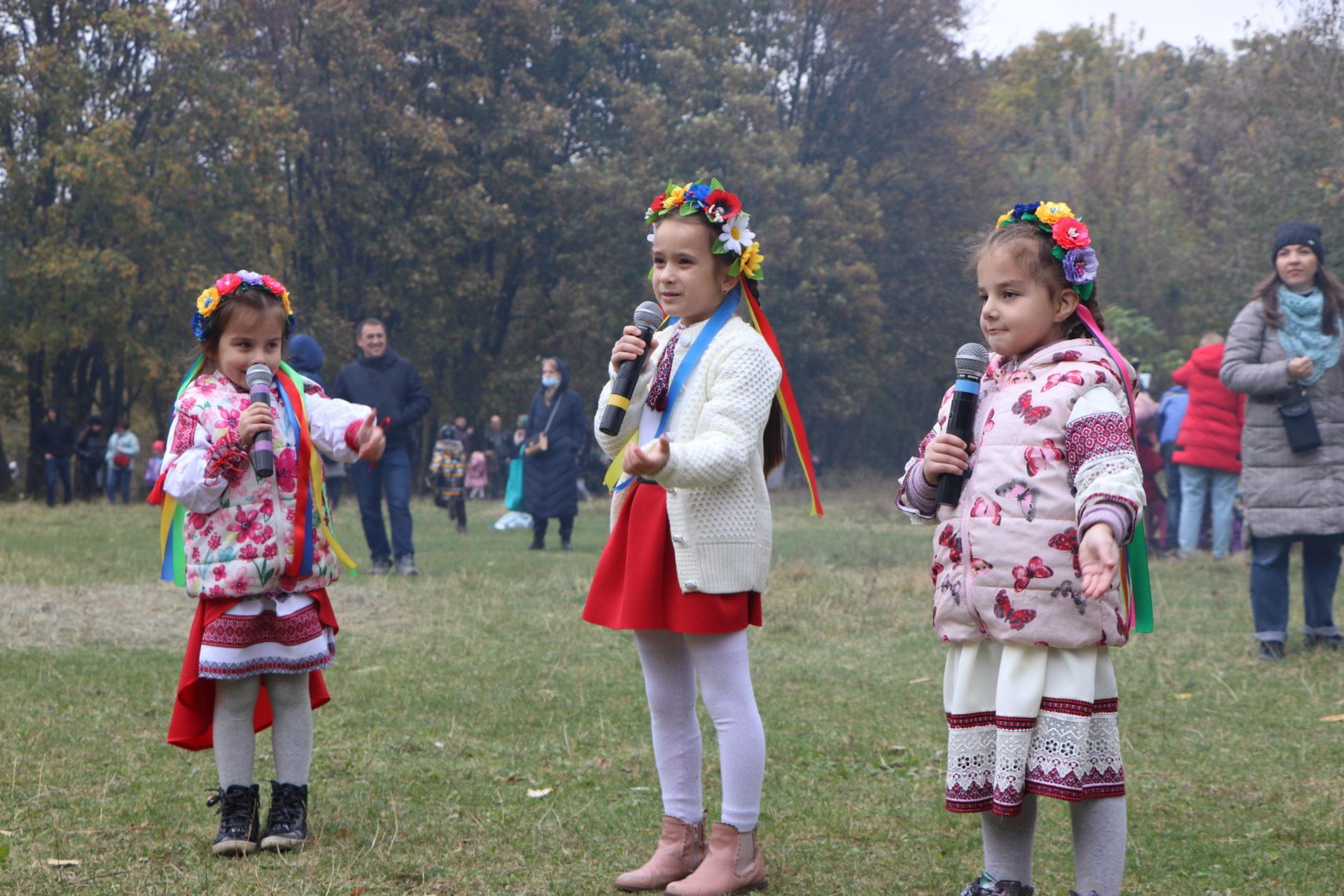 У Дніпрі понад 300 учасників взяли участь у патріотичному квесті до Дня козацтва