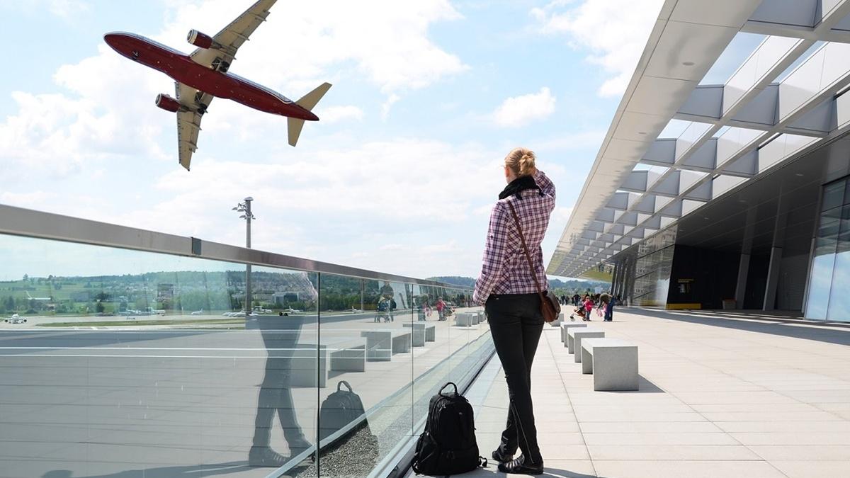 Чому авіакомпанії Коломойського можуть не витримати авіабезвізу